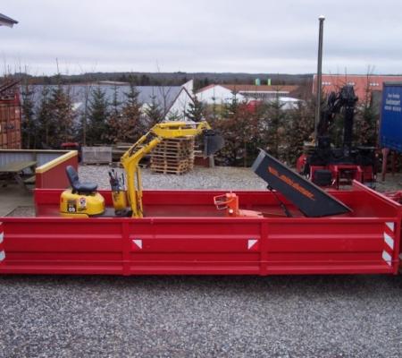 1 container, 1 minigraver, 1 motorbør - Sørensen Biobrændsel