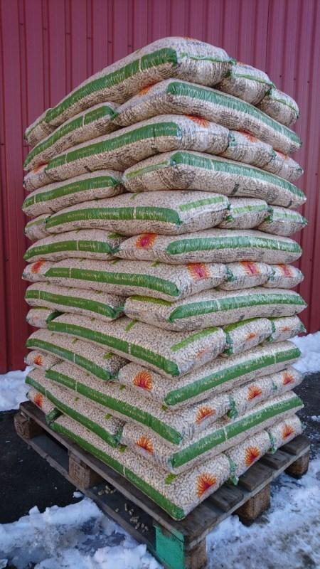 Stora Enso Træpiller 8 mm - 16 kg sæk - Palle 832 kg