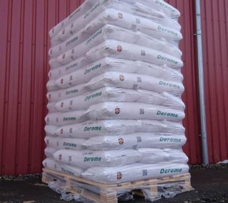 Derome træpiller 8 mm - 16 kg sæk - Palle 832 kg